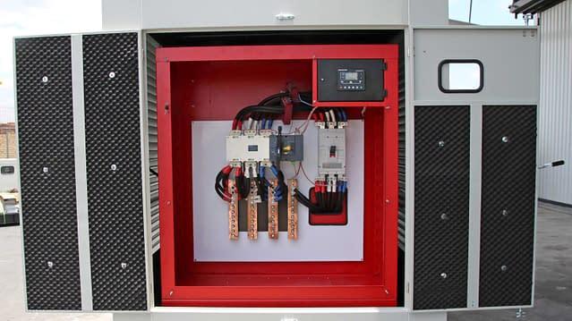 Cummins 1100kVA 3 Phase Diesel Generator ATS