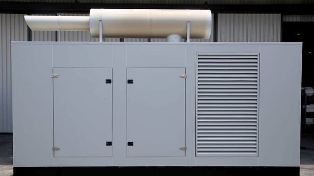 Cummins Diesel Generator 1100kVA | Generator King